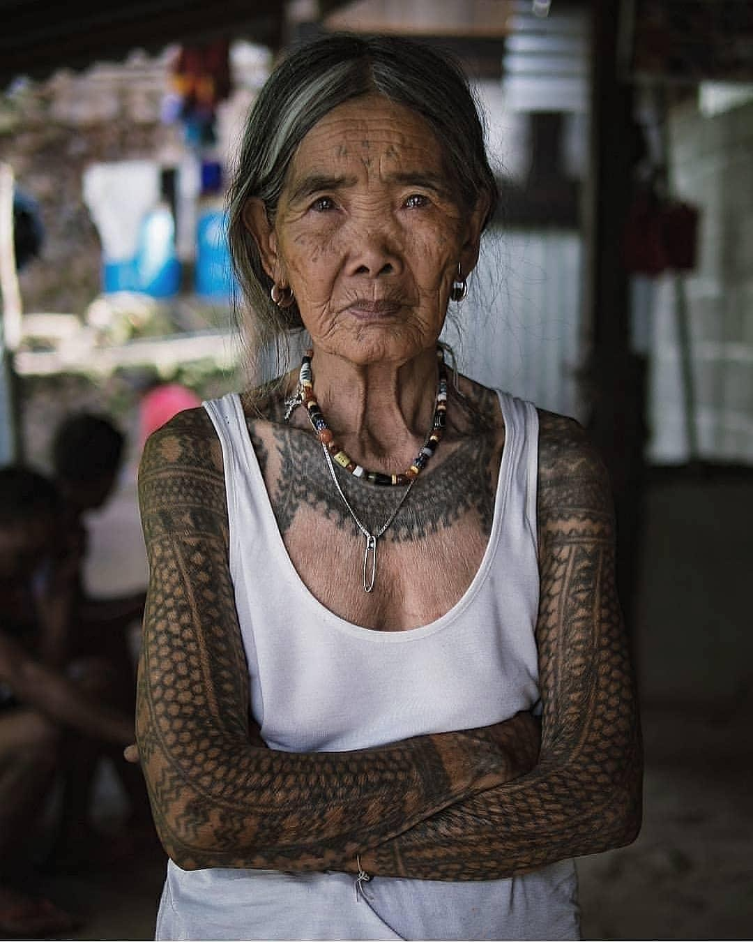 103 year old traditional tattoo artist !!